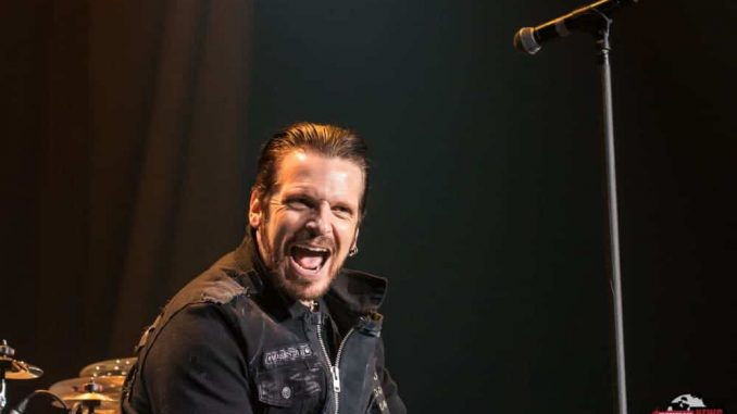 Black Star Riders Perform Live